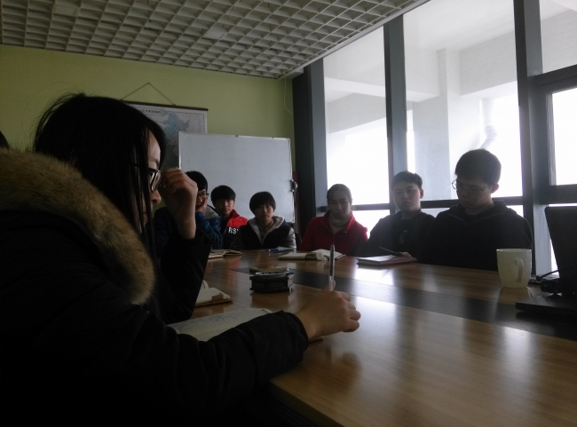 上海大学武教授来我企业交流技术